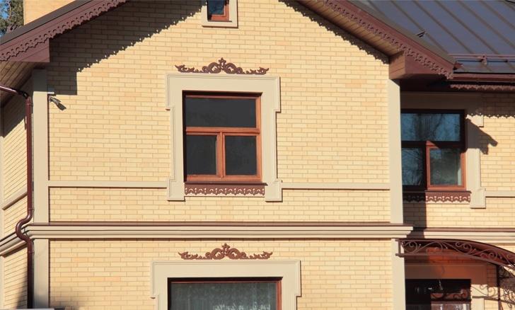 фасадный декор из полимербетона с прорезными орнаментами