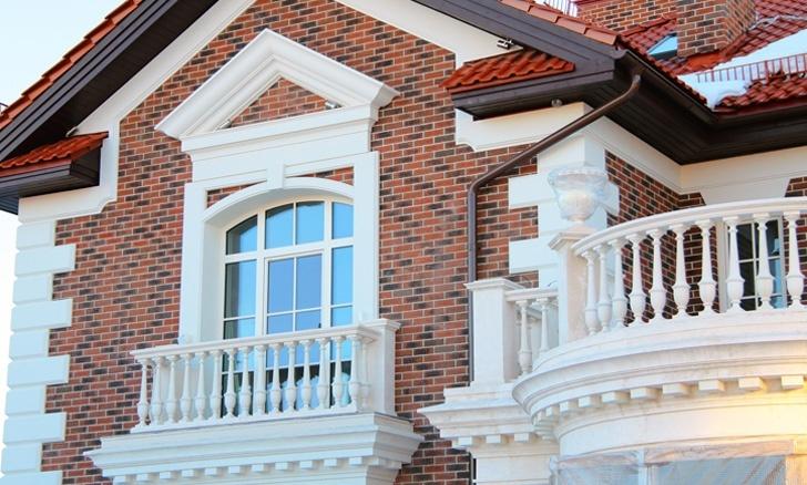 Сандрик окна, рустованные камни из полимербетона