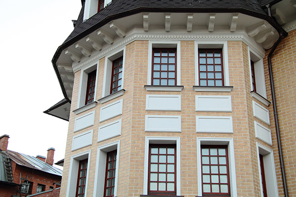 лепнина для фасада дома в Парголво