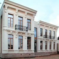 фасад особняка после отделки фасадным декором