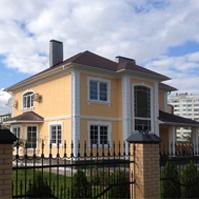 декор на фасаде дома в классическом стиле