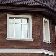 Междуэтажный карниз, наличник окна и подоконный карниз