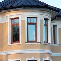 Оформление эркера фасадным декором, венчающий и межэтажный карниз из полимербетона